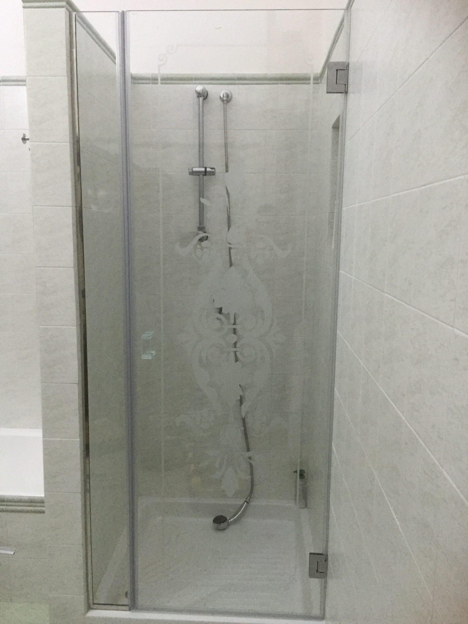 Scegliere il box doccia accessori e vetro vetreria l 39 arte nel vetro - Box doccia pentagonale ...