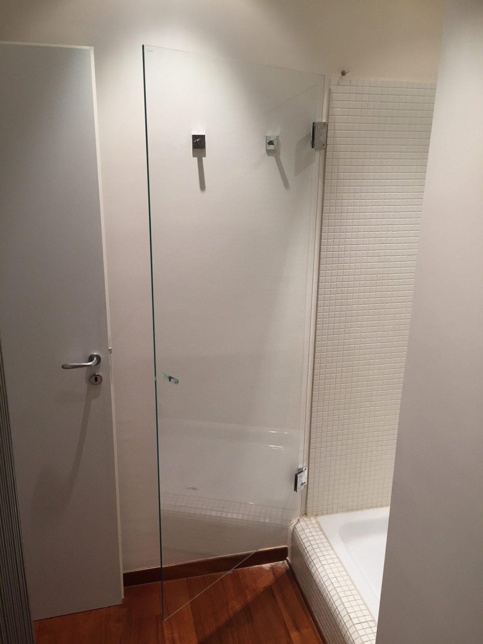 Anta per vano doccia vetreria l 39 arte nel vetro - Arte bagno taranto ...