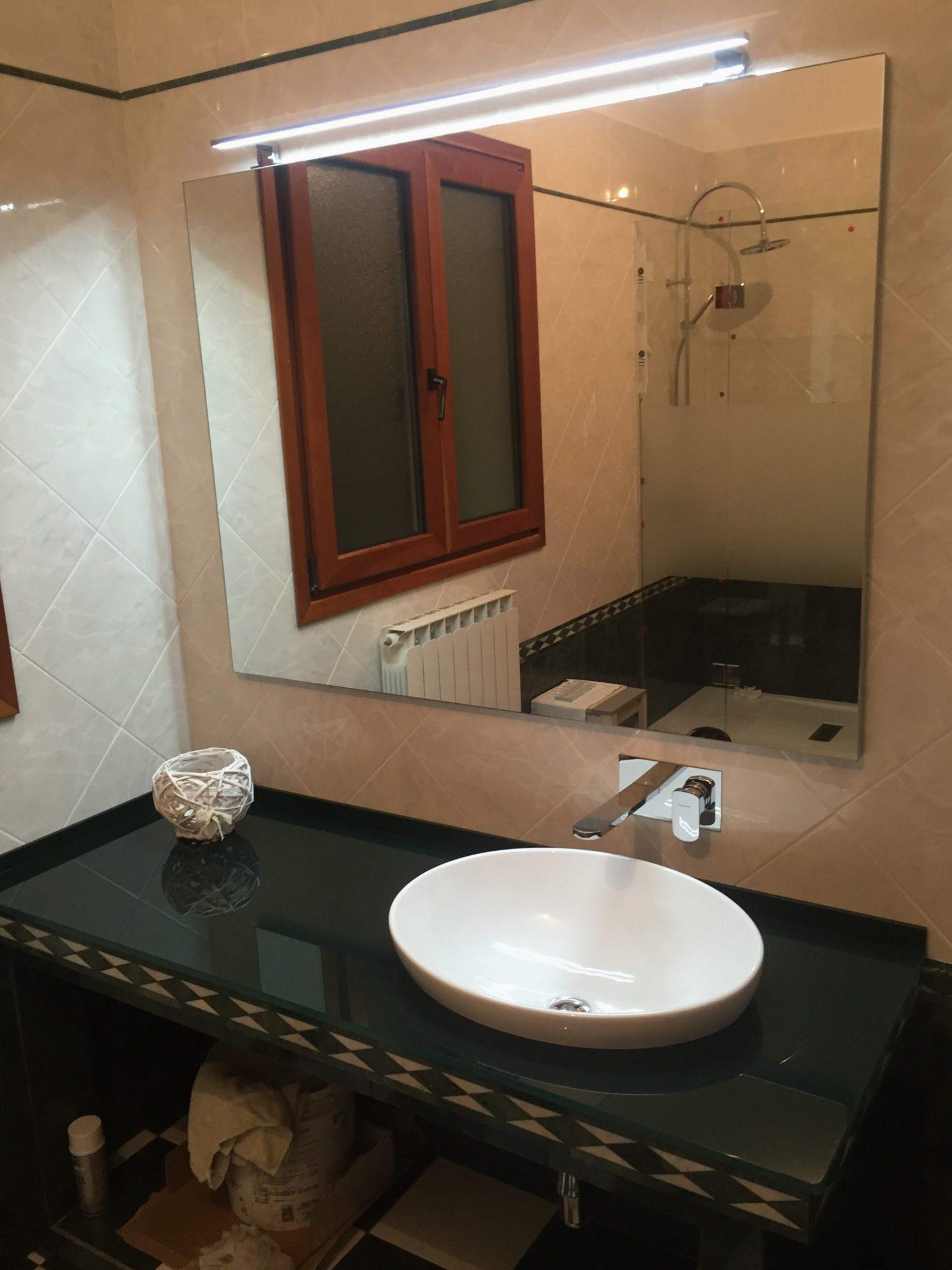 Top bagno in cristallo vetreria l 39 arte nel vetro - L arte del bagno ...
